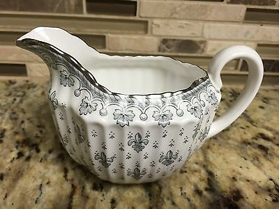 Spode Fleur de Lys Grey Creamer Platinum Trim Bone China.Pattern Y7515 England