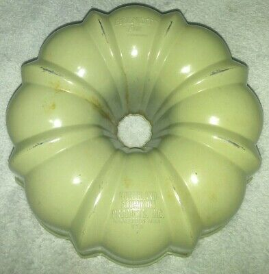 vintage Northland Aluminum Products. Inc. Minneapolis Minn. USA Bundt Pan