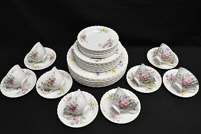 Royal Doulton Arcadia Green Backstamp Set of 8 Five Piece Place Settings - 40 Pc