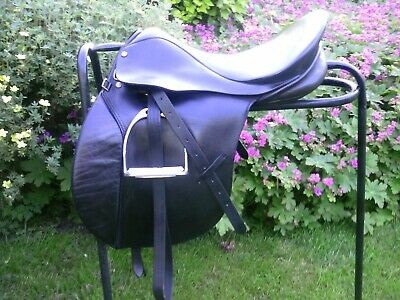 """Quality Black English Leather  GP Saddle 17"""" Narrow/Med Fit Complete"""