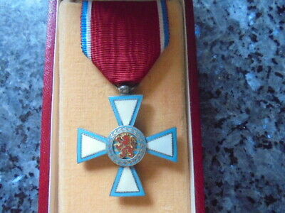 belle medaille emaillée chevalier merite luxembourg