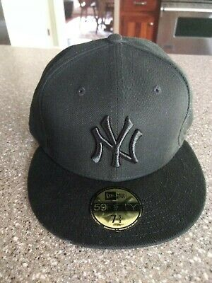 d67a5b4f2 MLB NEW YORK Yankees Cap Hat Fitted Size 7 3/8 New Era Genuine ...