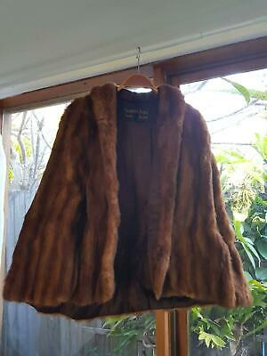 Vintage Brown Fur Cape One Size in Near Perfect Condition