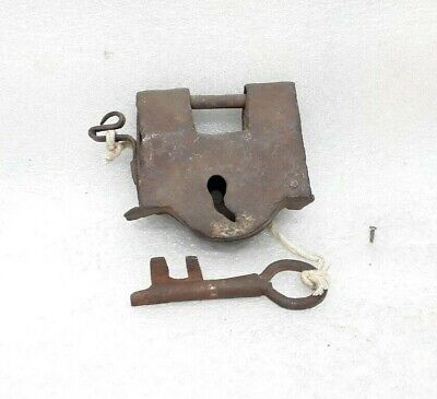 Antique Original Old Iron Hand crafted Lock Key Working Condition Padlock ARA3
