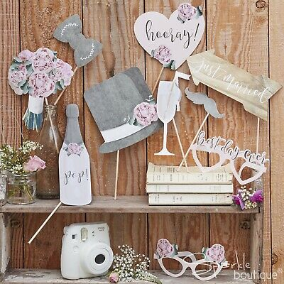 RUSTIC COUNTRY VINTAGE WEDDING PHOTO BOOTH PROPS - Selfie Kit - Signs / Glasses