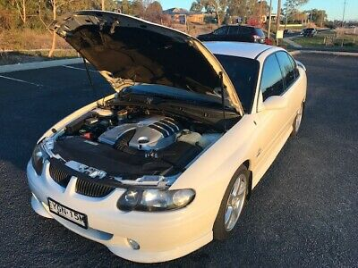 2002 Holden Commodore SS VX 5.7l V8 low KMs long rego fsh