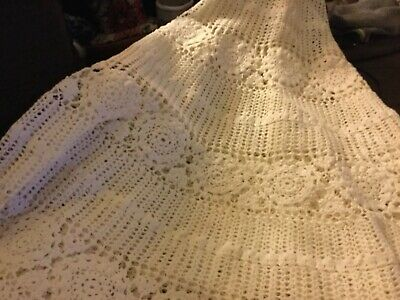 Off White Hand crocheted round tablecloth 162cm diameter Undamaged