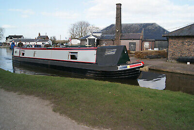 27/07/2019 - Phoenix- 7 night narrow boat canal barge holiday in Staffordshire