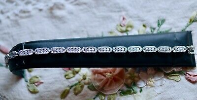 Vintage Jewellery Tennis bracelet with White Sapphires Antique Dress Jewelry