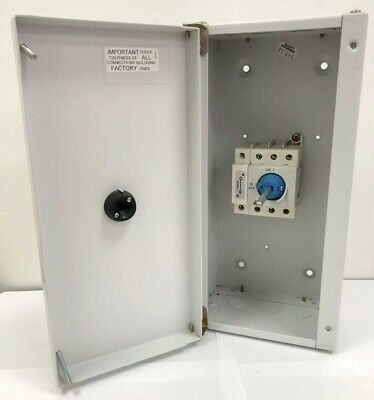 Crabtree Fusestar 100Amp 4-Pole Rotary ON/OFF Isolator Switch Metal Enclosure