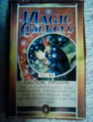 MAGIC CRACKERS  FIRECRACKER LABEL 16 s  RARE VINTAGE LABEL VERY  GOOD CONDITION