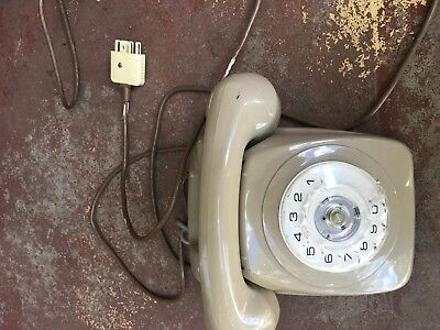 Lovley Shade Of Brown My Dads Old Telephone Free Postage (T)