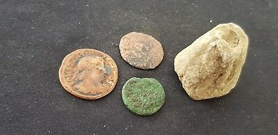 Lovely little Roman settlement area lot 3 worn coins and spindal whorl L124h