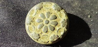 Stunning rare Post Medieval button. Please read description. L110q