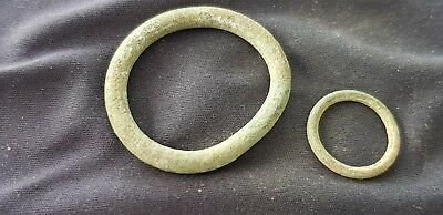 Superb lot of little & large Celtic money rings duo Please read description L95r