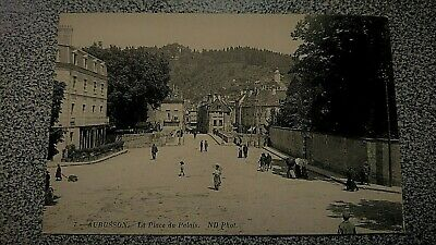 CPA animée, Old Postcard France, 7. AUBUSSON. La Place du Palais. Vers 1900.