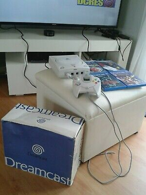 Sega Dreamcast Video Game Console (boxed) with 10 absoloute classic games.