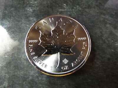 1oz Silver Maple Leaf 2017 Canadian 5 Dollar Coin. Mint, uncirculated!