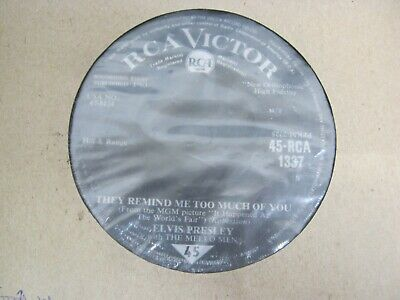 """Vinyl Record 7"""" ELVIS PRESLEY THEY REMIND ME TOO MUCH OF YOU (M)140"""