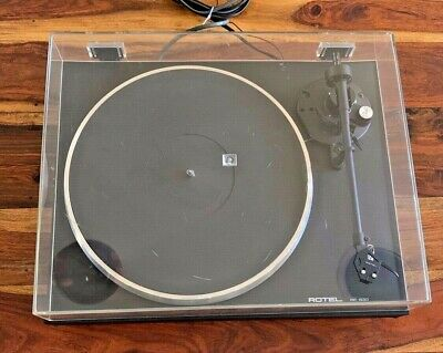 ROTEL RP-830. Stereo Turntable