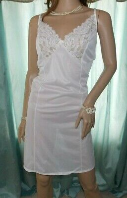 Shapely Figures Lovely Soft White Shimmery Sheer Nylon Lacy Full Slip Size 24Uk