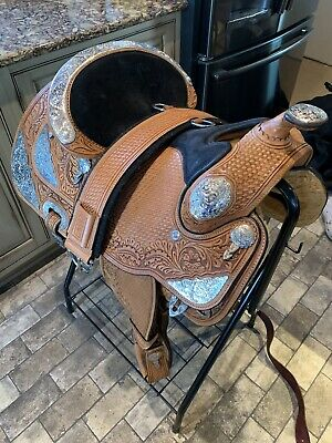 7786-0011 DALE CHAVEZ Rio Show Saddle with Brown Leather Overlay 16