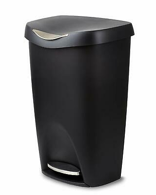 Umbra Large Kitchen Trash Can with Stainless Steel Pedals, Fashionable - Black