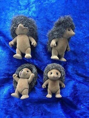 Sylvanian Families Naked Hedgehog Family - 4 Figures - Calico Critters Epoch