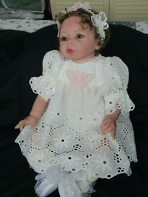 """**Ooak Set In  White Embroidered  Fabric For A 19-23"""" Reborn**"""