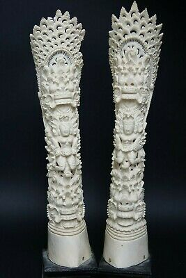 Very Fine Pair Of Carved Bones With Unusual Decoration - Very Rare - L@@k
