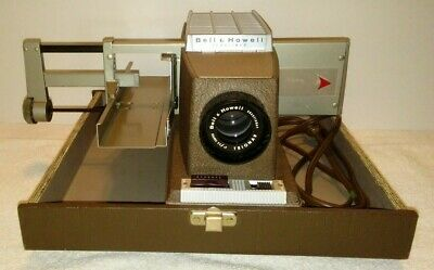 VINTAGE BELL and HOWELL HEADLINER 706 SLIDE PROJECTOR with Case