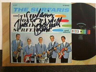 BOB BERRYHILL Hand Signed Autograph 4X6 Photo -  THE SURFARIS -  WIPE OUT Song