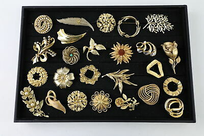 25 x Vintage & Retro GOLD TONE BROOCHES inc. Sarah Coventry, 1980s, Statement