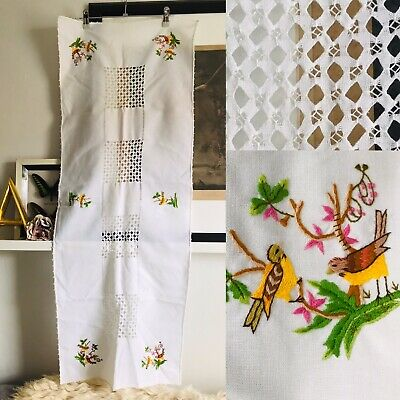 VINTAGE 40s 50s White Table Runner. Thread Work & Exquisite Bird Embroidery EUC