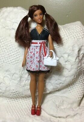 Barbie Doll Burgundy Hair Pigtails Blue Eyes Curvy Fashionista Ethnic In Outfit