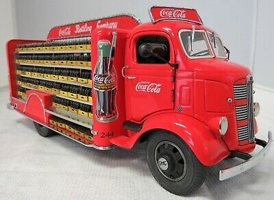 Danbury Mint 1938 Gmc Coca Cola Delivery Truck 1/24 W/Weathered Crates.