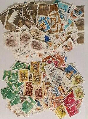 AU - 1981 & 1982 - Large selection of USED Stamps - Off Paper
