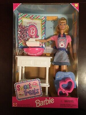 Sweet Treats Barbie Doll Kitchen Set Mattel Vintage 1998 20780 NRFB (Worn Box)