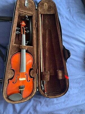 Stentor Student 1/2 Size Violin With Case, Bow And Chin Rest