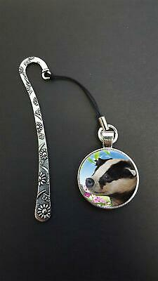 Badger Pendant On a Metal Design Bookmark Ideal Birthday Reading Gift N85