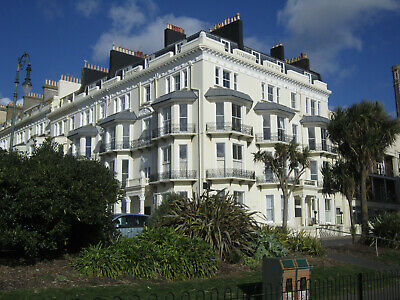Seafront Flat For Sale HASTINGS - Warrior Square