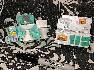 LOT OF Dollhouse Plastic Furniture - Bathroom & Kitchen Stove & Counter