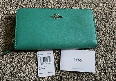 NWT Coach pebble leather green accordion zip wallet silver accent F16612 12 card