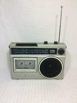 Vintage GE GENERAL ELECTRIC 3-5240-A AM /FM Radio Cassette Recorder W/cord Works