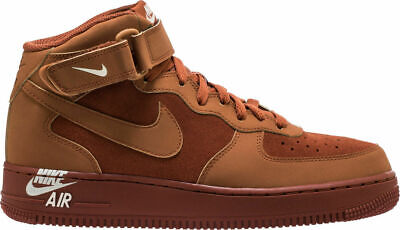 Nike Air Force 1 scuro