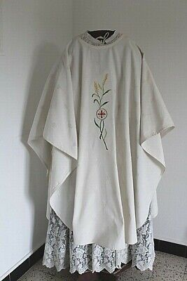 Chasuble Gothic Priest in Fabric Paperback White Middle 20th