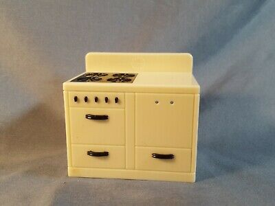 Vintage Renwal Dollhouse Furniture Kitchen Stove A7