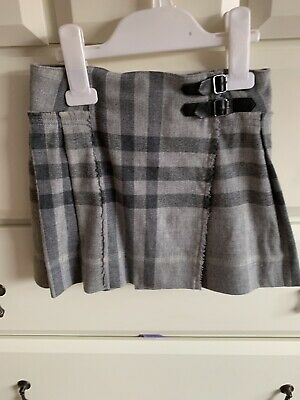 Burberry pleated skirt child age 6