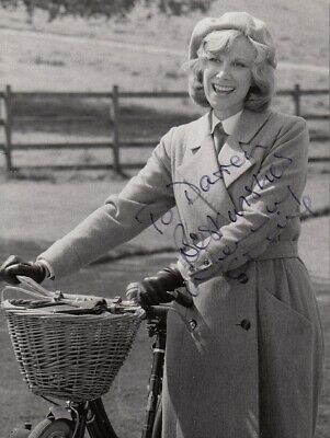 """WENDY CRAIG - Orig Vintage 8"""" x 6"""" Photo NANNY - PERSONALLY SIGNED TO DARREN F#8"""