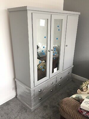 Stunning Luxury Triple Wardrobe - Free Delivery - Many Colours